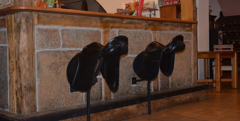 Dobové barové stoličky